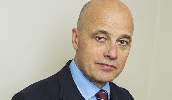 Magnus Rolf, vd på FEI